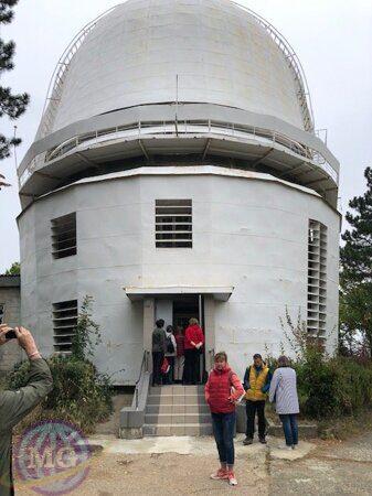 Шимчишина у телескопа в Научном